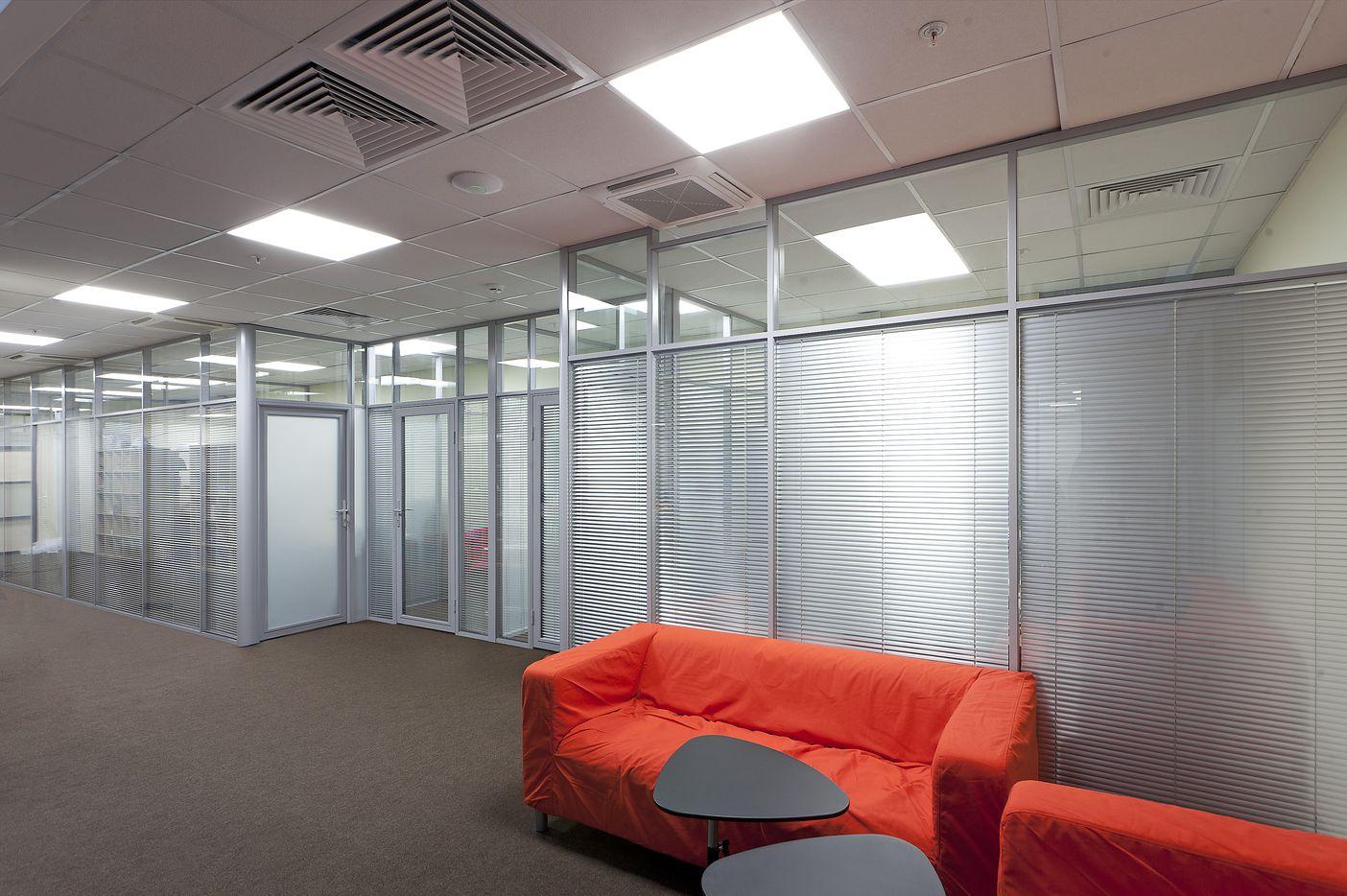 Примеры применения алюминиевых офисных перегородок 1