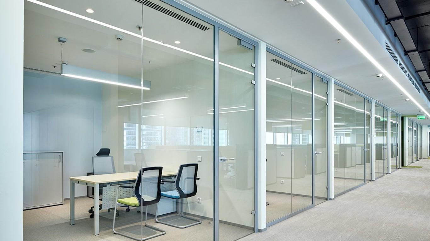 Примеры применения алюминиевых офисных перегородок 4
